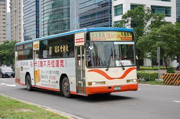 2006-05-xinyi01.JPG